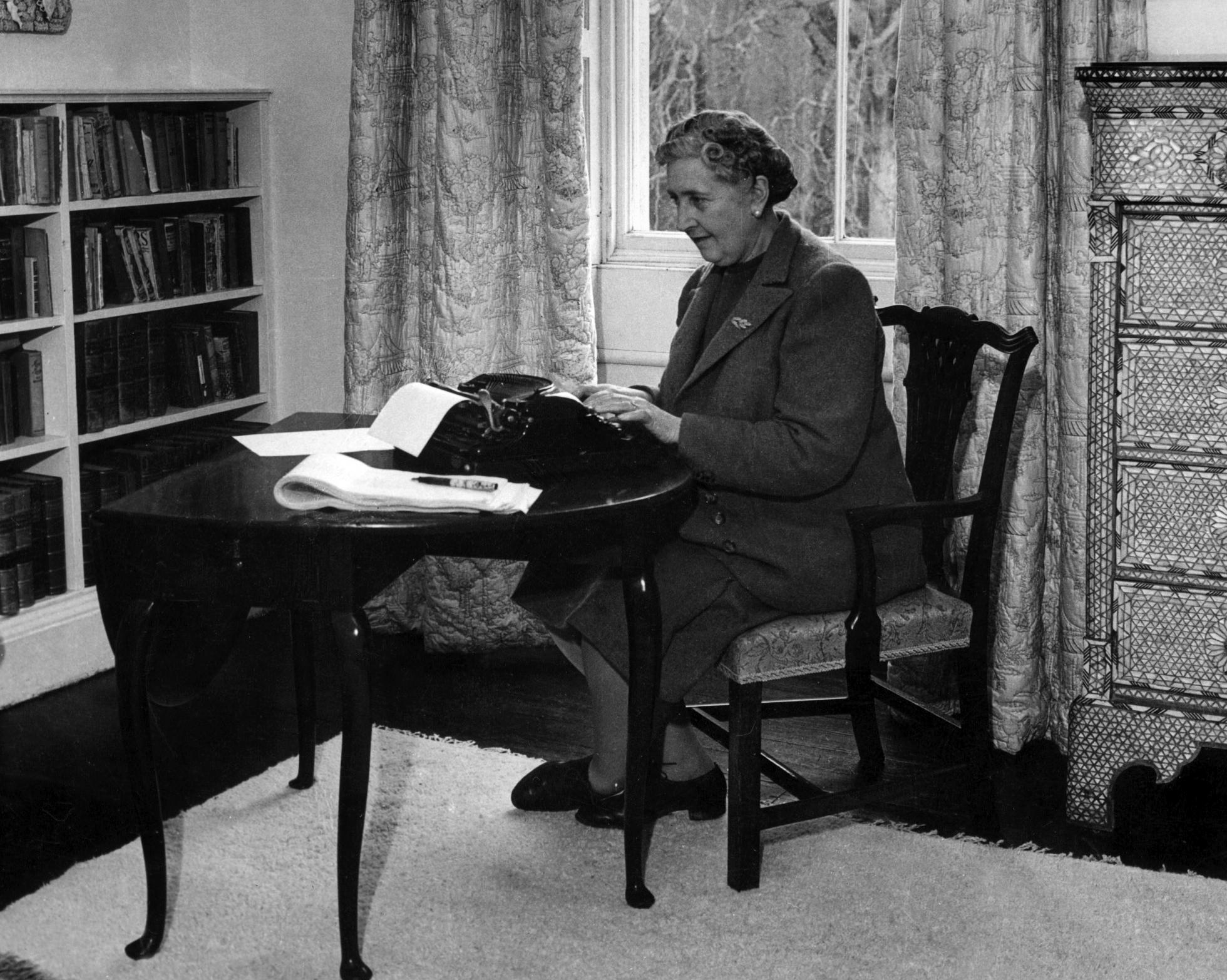 آگاتا کریستی از اولین تجربه های نوشتن می گوید